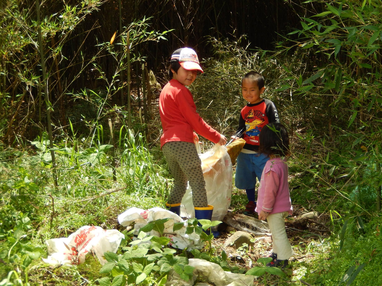 008牧場周辺のゴミ拾いs